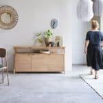 Pola, una colección de muebles de madera de roble maciza y sostenible.